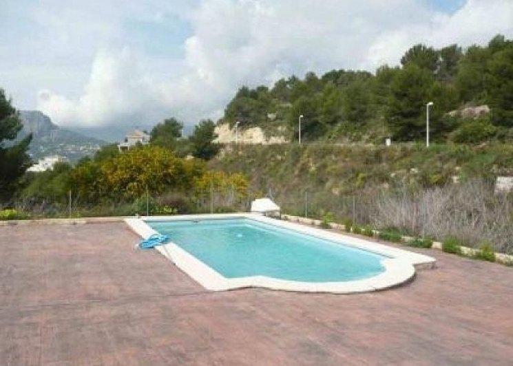 Inmoriquelme villa con piscina en venta en calpe ref for Piscinas calpe